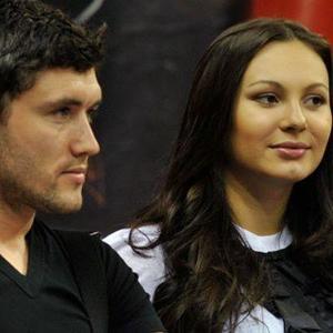 Инна Жиркова призналась, что муж-футболист не отдает ей зарплату