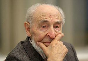 Путин наградил создателя Чебурашки и  старухи Шапоклякмультипликатора Шварцмана