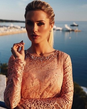Виктория Боня позвала рэпера 50 Сent на свидание