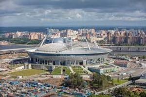 Газон на стадионе