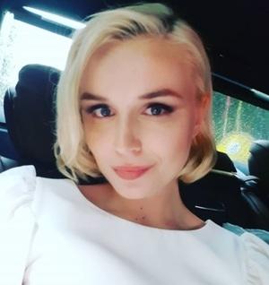 Полина Гагарина увезла новорожденную дочь из России