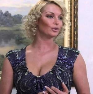 Обнародована матерная переписка Волочковой с участником