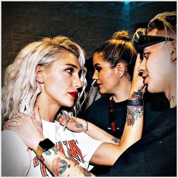 Жгучая брюнетка: фанаты отреагиротовали на резкие перемены во внешности Насти Ивлеевой