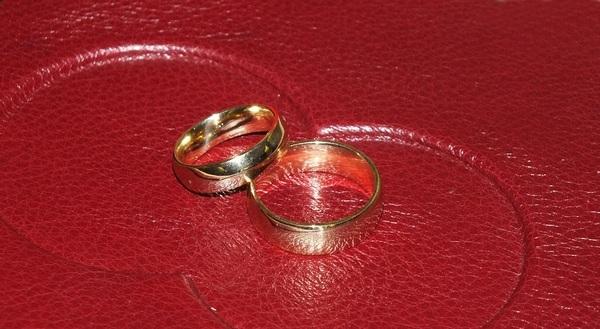 После танцевального батла друг невесты убил жениха и его брата, а свадьба подумала - фейерверк