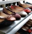 Россияне стали меньше покупать обуви, донашивают до дыр