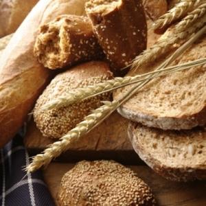 СМИ: Пенсионеры проклинаютпредпринимателя, раздающего бесплатный хлеб