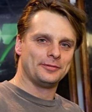Жена Александра Носика не отпускает его к любовнице - экс-солистке