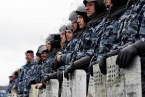 ОМОН окружил протестующих дальнобойщиков в Дагестане