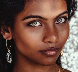 Фотомодель с самыми прекрасными глазами в мире погибла в Бангладеше