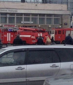Первые кадры: В метро Санкт-Петербурга произошли взрывы, есть жертвы