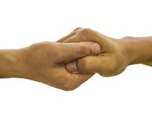 Первые признаки рака можно заменить по рукам