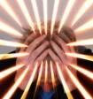 Психологи: стресс активизирует в людях сопереживание