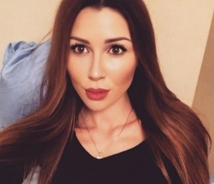 СМИ: 21-летняя дочь Анастасии Заворотнюк тайно вышла замуж