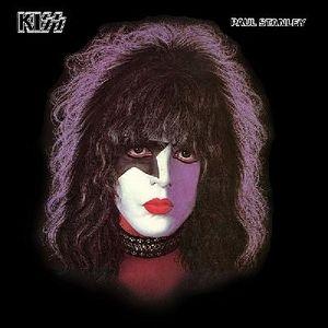 Вокалист рок-группы Kiss Пол Стэнли сыграл на гитаре, раскрашенной под триколор РФ