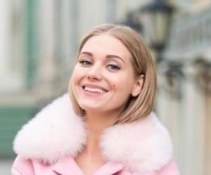 Актриса Кристина Асмус озадачила поклонников экстравагантным стилем