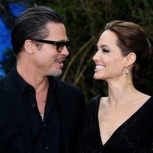 Источники: Питт и Джоли возобновили общение и передумали разводиться