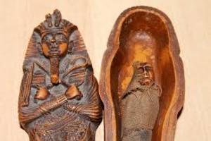 В Египте показали найденные мумии. Их оказалось 28