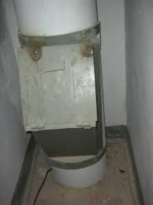 Москвич пожаловался на похищение мусоропровода из жилого дома