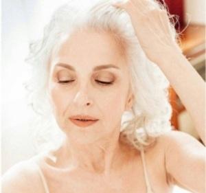 В рекламе нижнего белья в России снялась 61-летняя женщина