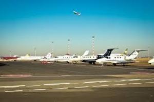 В Москве отменены и задержаны десятки рейсов