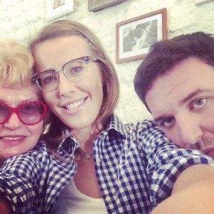 Мама Ксении Собчак в шоке от методов воспитания внука