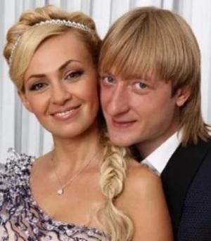 Блогерша написала о венчании Рудковской и Плющенко, сравнив таинство с