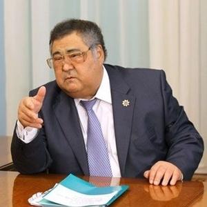 Хирурги прооперировали позвоночник губернатора Кемеровской области Тулеева