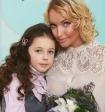 Анастасия Волочкова объяснила, почему оставила дочку без фамилии отца
