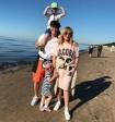 После пикника с Вайкуле Пугачева пожелала, чтобы «всех штормило только в море»