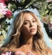 Бейонсе изобразила рафаэлевскую Мадонну ради первого фото с новорожденными близнецами