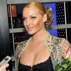 Волочкова заявила, что в салоне красоты ей испортили внешность