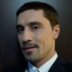 Дима Билан встал на колени перед «Ее величеством»