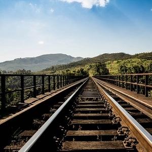 Шойгу наградил военных, построивших железную дорогу в обход Украины