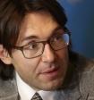 Автор песни о Диане Шурыгиной попросил Малахова не уходить с Первого канала