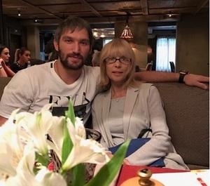 Александр Овечкин опубликовал архивное видео с Верой Глаголевой