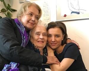 Алфёрова рассказала, как дочь пришла к ней в слезах