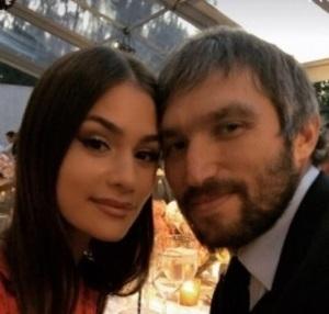 В сети впервые после смерти Веры Глаголевой появилось фото её младшей дочери