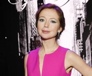 Актриса Елена Захарова впервые рассказала, как пережила смерть маленькой дочери