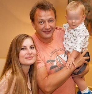 Сообщается, что Марат Башаров снова поднял руку на женщину - мать своего сына