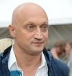Гоша Куценко показал, что происходит с его лицом, когда слышит песни Бузовой