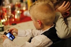 Глава Роскомнадзора предложи ввести детские сим-карты
