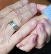 Медики рассказали о вреде чрезмерной бабушкиной любви