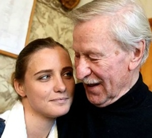 Молодая жена Ивана Краско  стала ухаживать за ним, как за ребенком