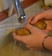 Учёные рассказали, как мытьё посуды сказывается на здоровье