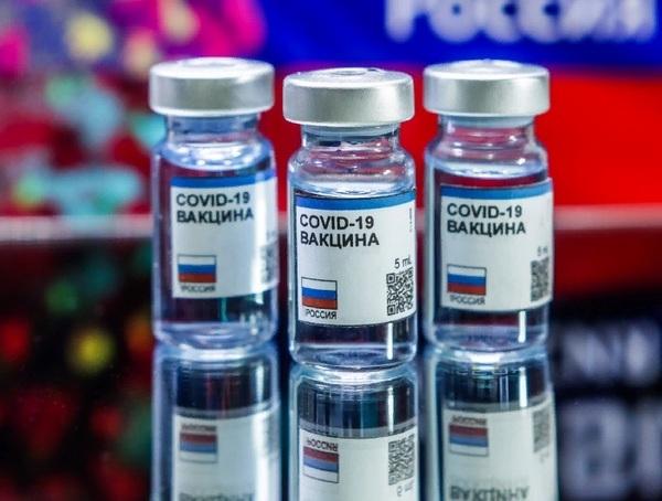 Мишустин включил вакцины против коронавируса в перечень жизненно важных лекарств