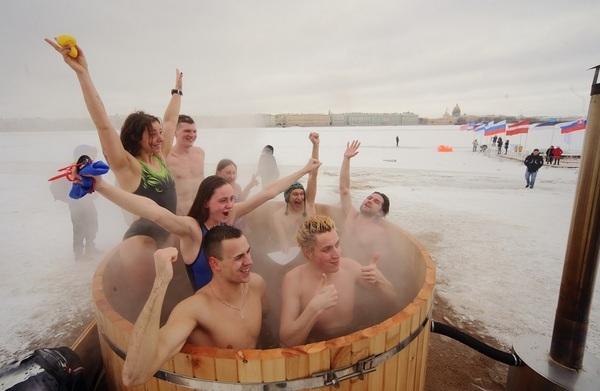 Крещенское омовение в Купелях могут заменить раздачей святой воды?