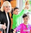 Суханкина рассказала о приемных детях: дочь получает тройки, а сын связался с плохой компанией