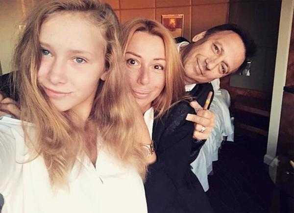 Алёна Апина: Моя дочь любит резать людей, смотреть на кишочки