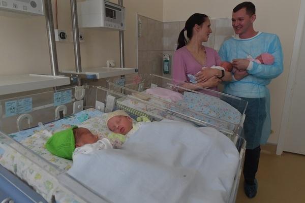 Столичные специалисты берутся помочь одному из волгоградских братиков - четверняшек