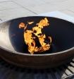 Полициейский и казак-дружинник не дали пьянице зажечь сигарету от Вечного огня в Волгограде